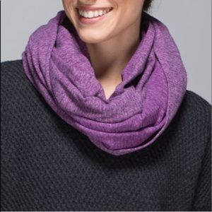 Lululemon | purple and gray vinyasa scarf OS
